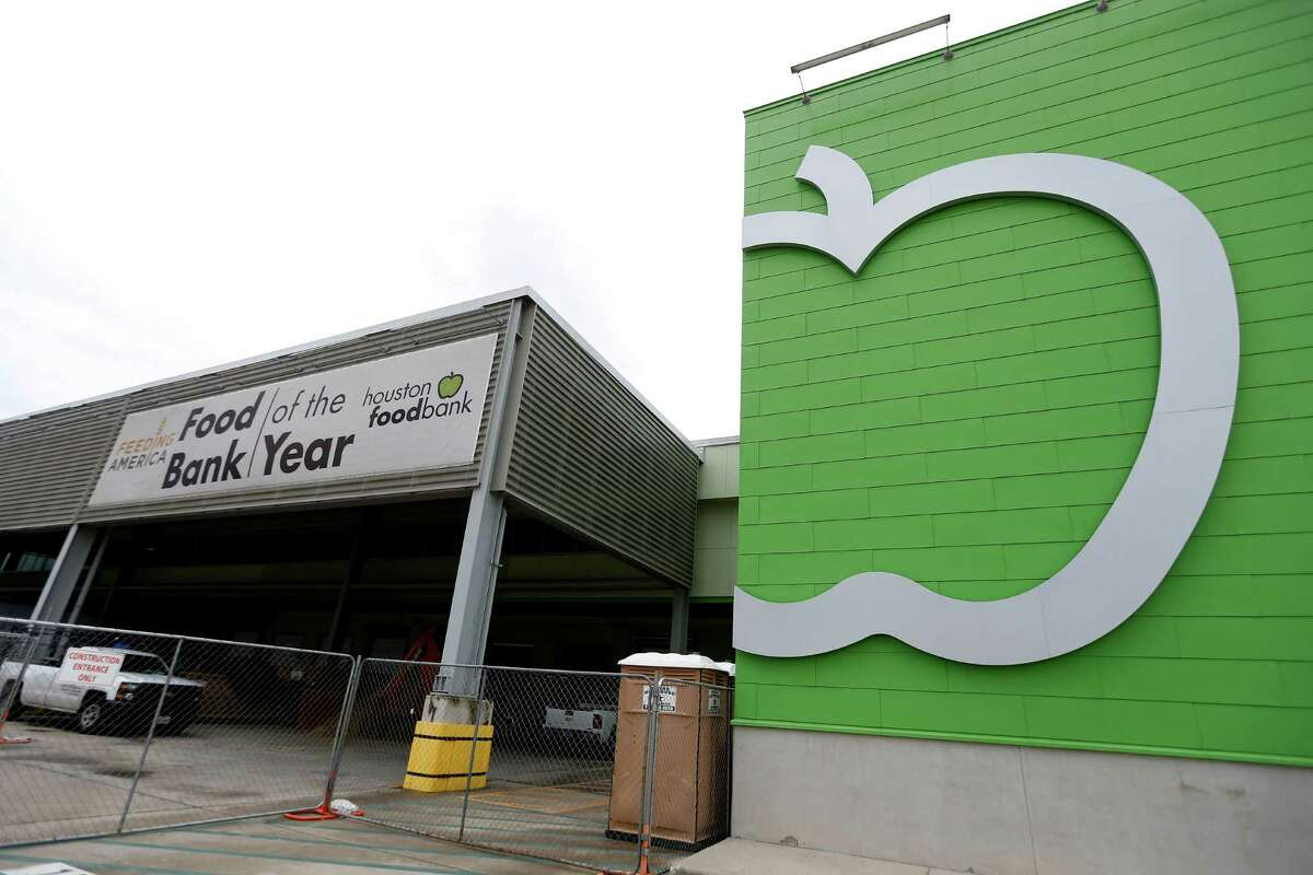 Exterior of the Houston Food Bank, which is building a 10,000-square-foot kitchen within its 535 Portwall warehouse, Tuesday, July 26, 2016, in Houston. ( Karen Warren / Houston Chronicle )