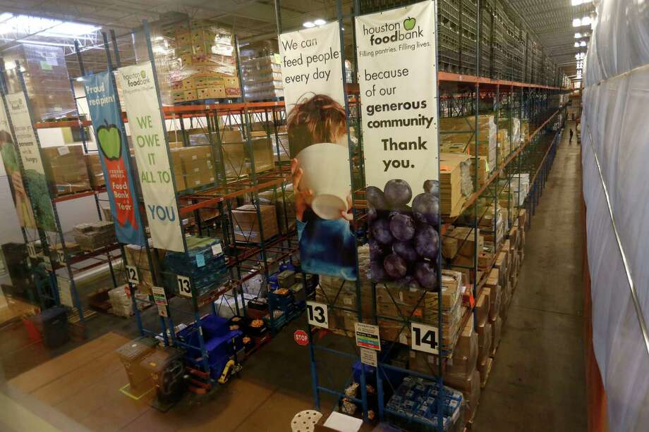 The Houston Food Bank, which has a 272,711-square-foot warehouse, is building a 10,000-square-foot kitchen in its Portwall facility. Photo: Karen Warren, Staff / © 2016 Houston Chronicle