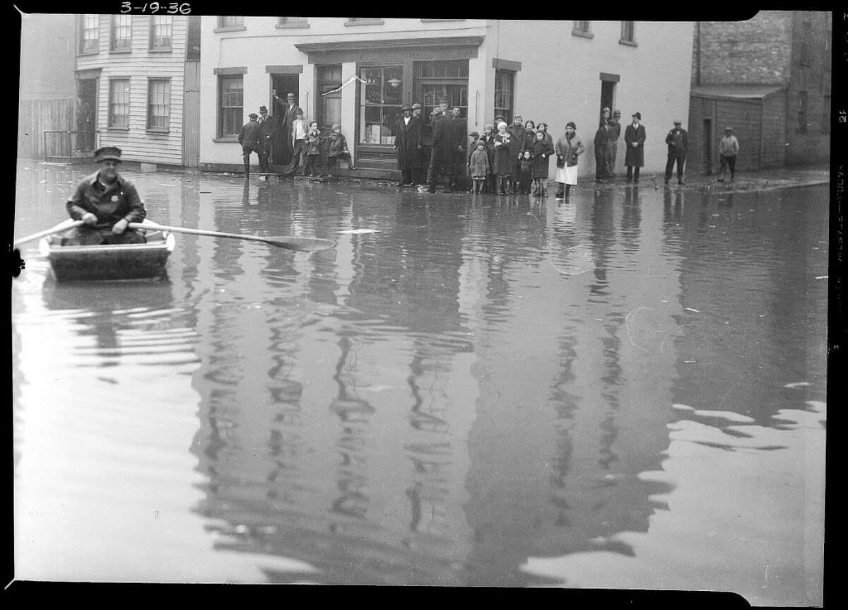 Flooding near Broadway by the Hudson River March 19, 1936, in Albany, N.Y. (Albany County archive)