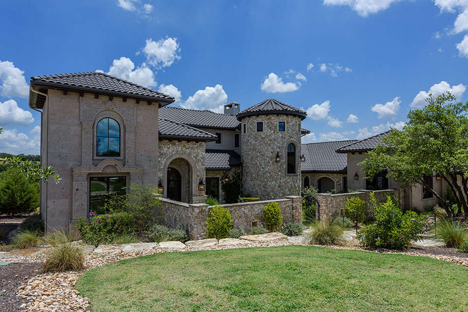 Austin home at 5516 Spanish Oaks Club Blvd. listed at $2,995,000. Photo: Spanish Oaks Realty