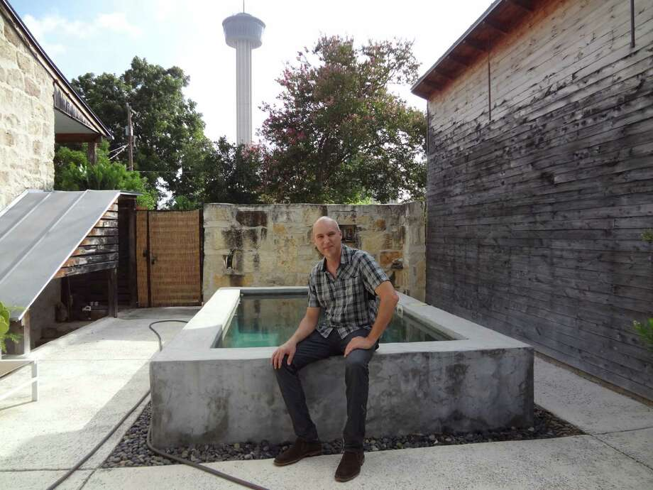 Architect Candid Rogers recently installed a small pool in the courtyard of his Lavaca neighorhood home. Photo: Steve Bennett /San Antonio Express-News