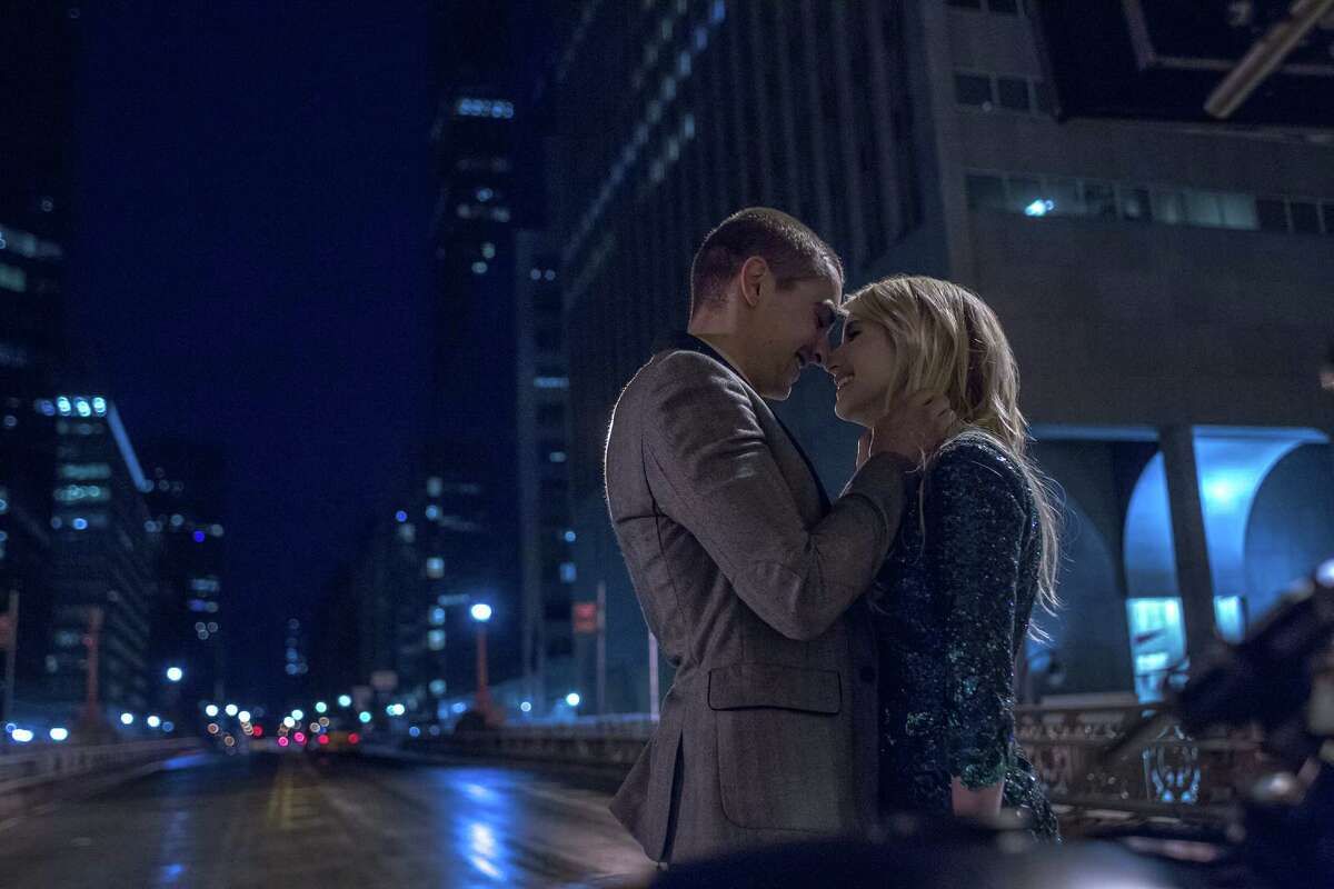"""Ian, played by Dave Franco, and Vee, played by Emma Roberts, in the movie """"Nerve."""" (Niko Tavernise/Lionsgate/TNS)"""