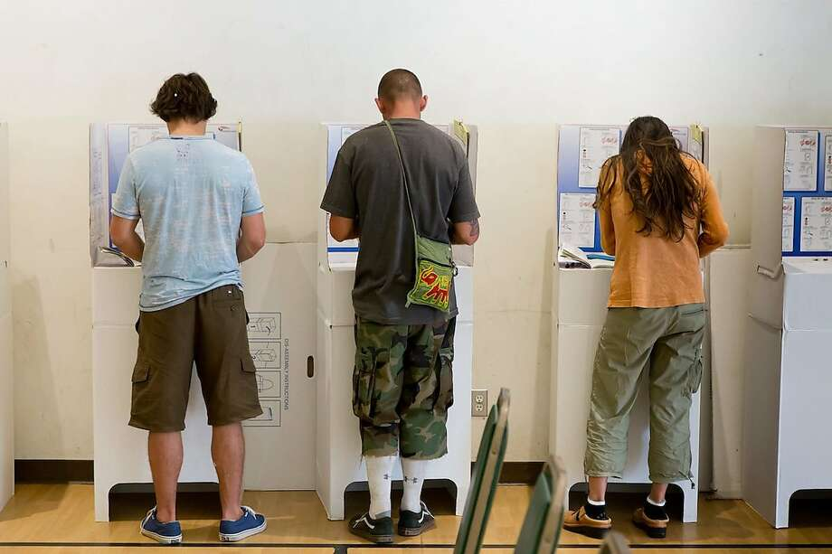 People vote in San Diego in 2016. It appears that Millennials will overtake Baby Boomers as they largest group of voters. Photo: Frank Duenz/Associated Press