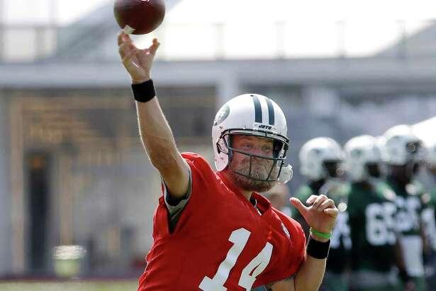 New York Jets quarterback Ryan Fitzpatrick throws a pass during NFL football training camp, Thursday, July 28, 2016, in Florham Park, N.J. (AP Photo/Julio Cortez) ORG XMIT: NJJC111