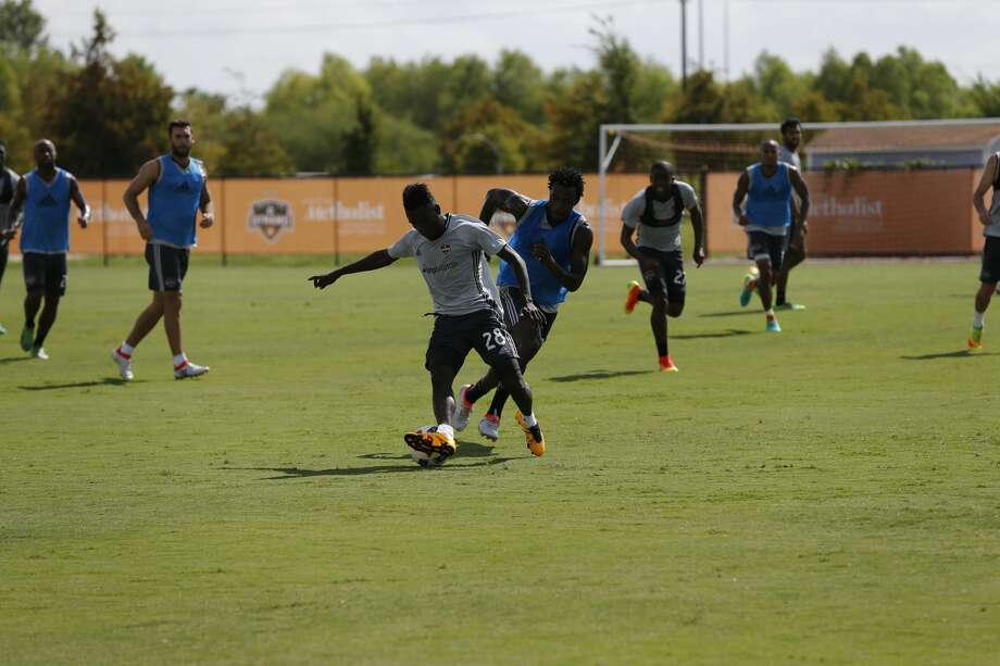 New Dynamo acquisition Yair Arboleda Quinones (center) practices with the team Friday morning. Photo: Courtesy Nigel Brooks