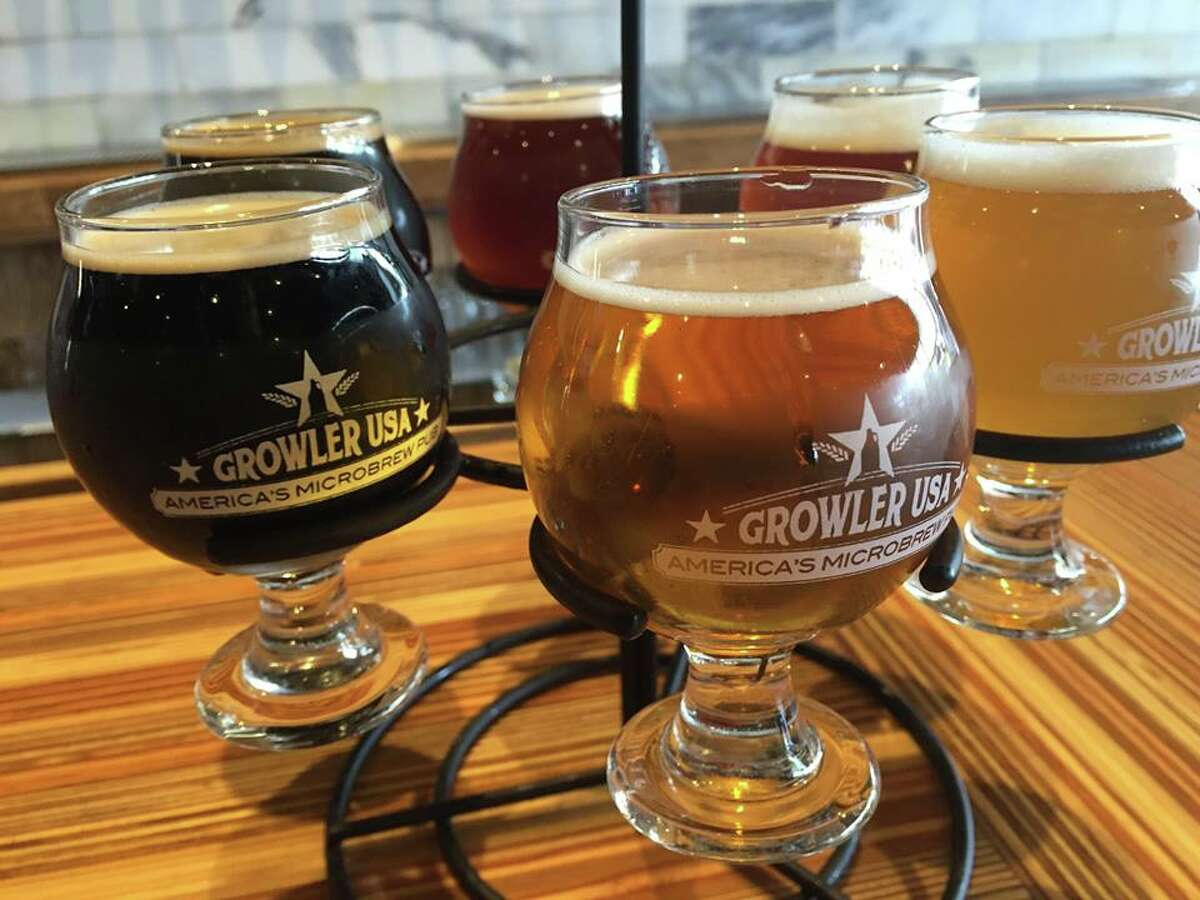 Friendswood Friendswood has a wine bar, and now it will have a craft beer pub, when Growler USA opens in the Fountain Plaza Center, 2111 W. Parkwood, in February. Growler USA also serves hard cider, wine, root beer and kombucha.