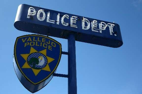 Vallejo police searching for killer of man found shot in alley.
