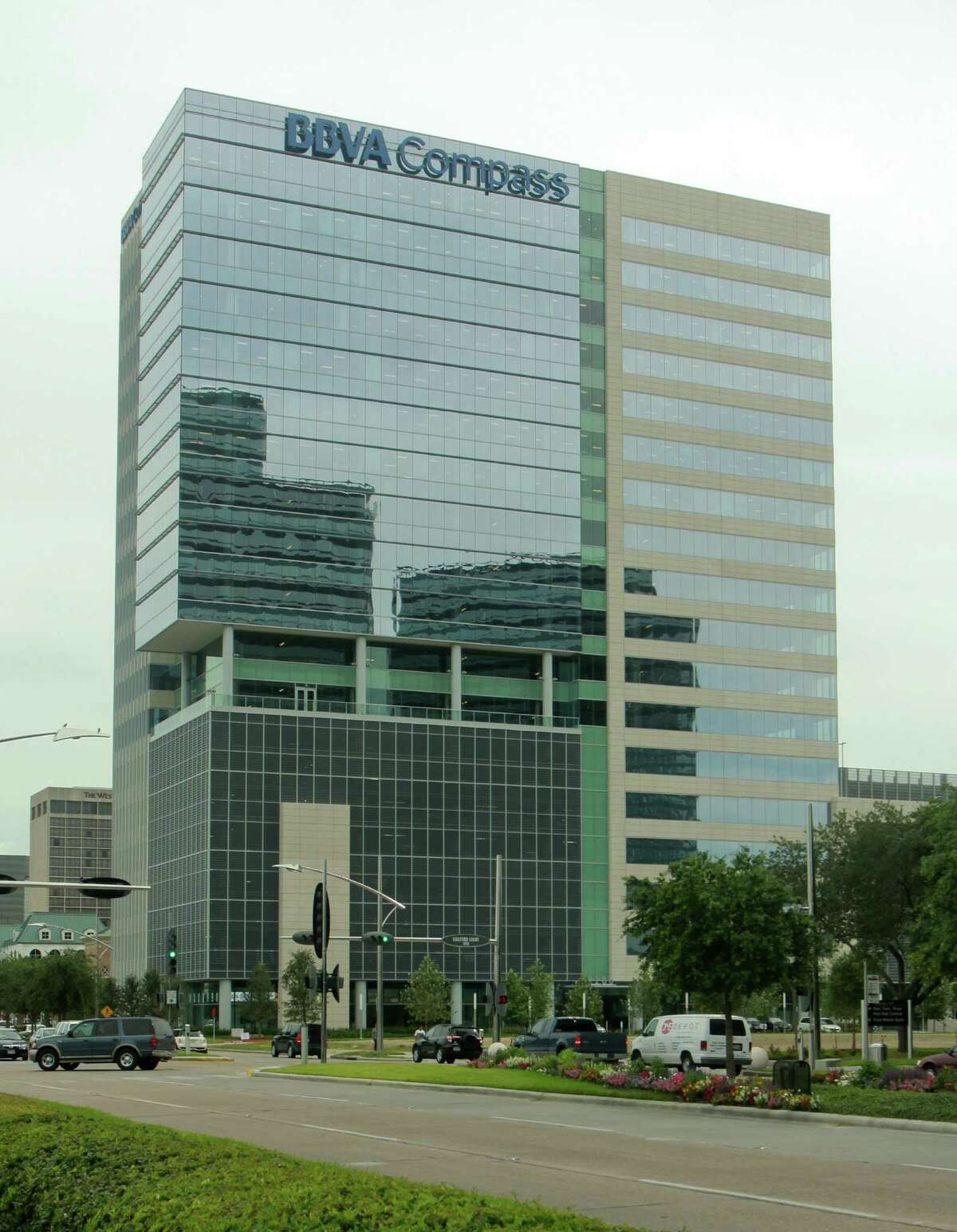 BBVA Compass' office building in the Galleria area. Keep going to see the largest Houston-area banks.