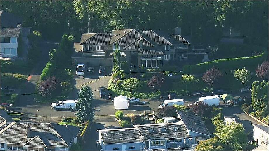 Police investigate a shooting at a home in Mukilteo. Photo: KOMO News
