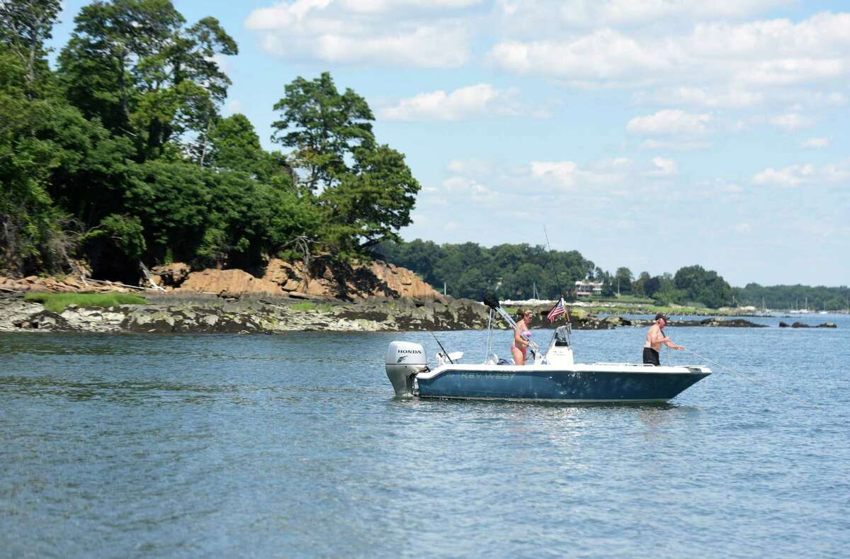 Long Island Sound Report Card 2018 This Report Card shows water quality results from the 2017 monitoring season with a trend designation based on 10 years of data, and 10 years of monitoring data. Click through to see how each area fared...