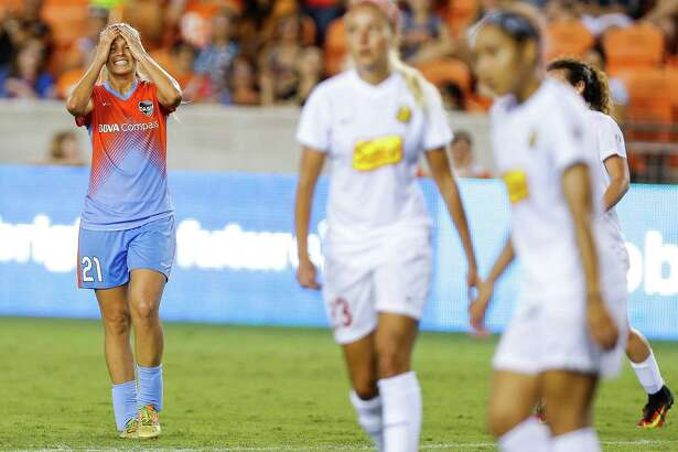 Houston Dash forward Melissa Henderson (21) reacts after she missed a shot on goal as the Houston Dash tie 3-3 with the Western New York Flash Saturday, July 30, 2016 in Houston.