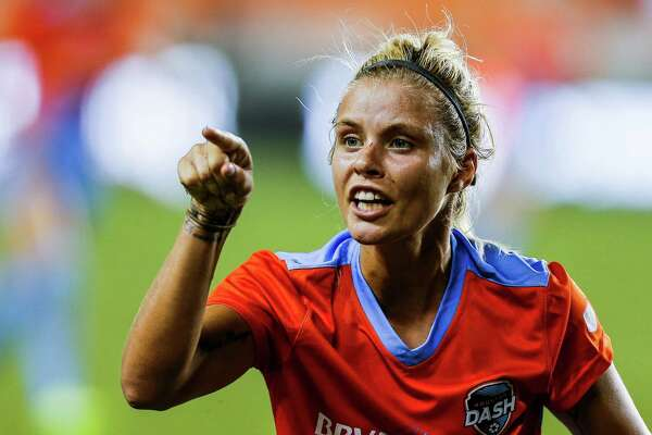 Houston Dash forward Rachel Daly (3) yells at a referee as the Houston Dash tie 3-3 with the Western New York Flash Saturday, July 30, 2016 in Houston.