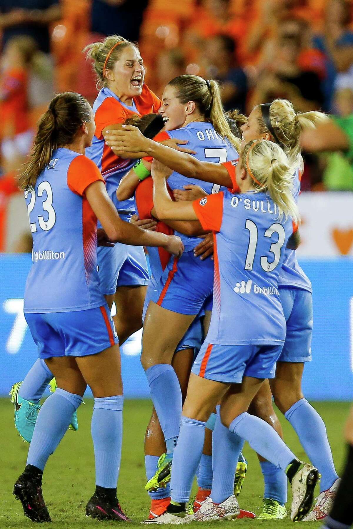 Teammates congratulate Houston Dash forward Kealia Ohai (7) after she scored her second goal of the game as the Houston Dash tie 3-3 with the Western New York Flash Saturday, July 30, 2016 in Houston.