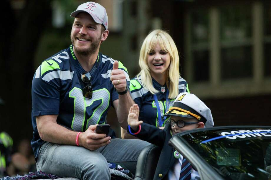 Seafair Torchlight Parade grand marshal Anna Faris and husband Chris Pratt, pictured in happier times riding in a convertible in the annual parade through downtown Seattle on July 30, 2016. Faris and Pratt announced their separation Sunday. Photo: GRANT HINDSLEY, SEATTLEPI.COM / SEATTLEPI.COM
