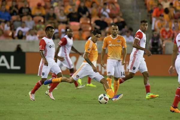 Houston Dynamo midfielder Cristian Maidana (8) controls the ball on the field during the first half of action between the between the Houston Dynamo and the San Jose Earthquakes during an MLS soccer game at BBVA Compass, Sunday, July 31, 2016, in Houston. (Juan DeLeon/for the Houston Chronicle)