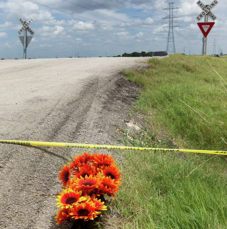 Here are 10 things to know about the crash of a hot air balloon in Central Texas on Saturday morning: Photo: Jessalyn Tamez, AP / Austin American-Statesman