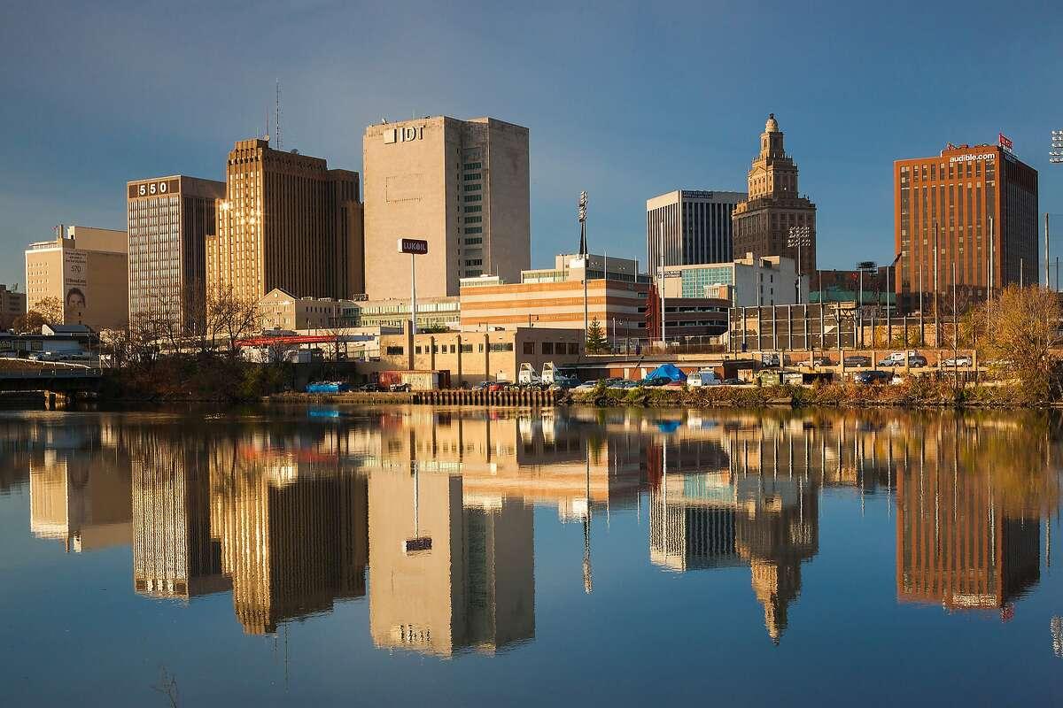 Newark, New JerseyMedian Household Income: $33,139