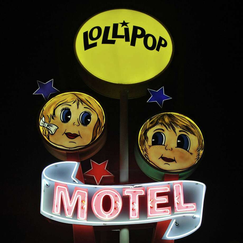 """The Lollipop Motel, built in the """"doo-wop"""" style in North Wildwood, N.J., features a 1950s road sign and retro decor. Photo: Gretchen McKay, MBR / Pittsburgh Post-Gazette"""