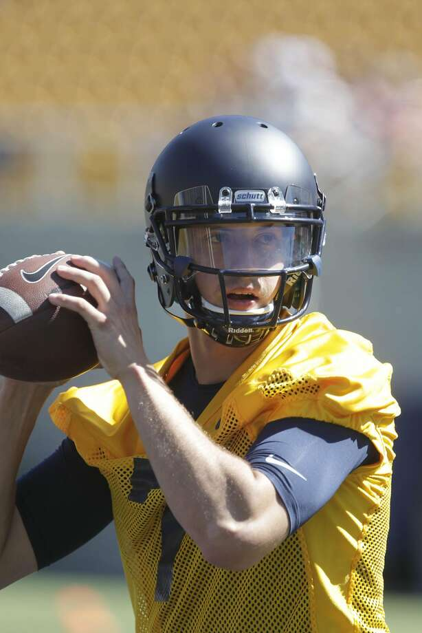 Davis Webb, Cal quarterback, works out with others on the first day of training camp at Memorial Stadium on Monday, August 1, 2016 in Berkeley California. Photo: Lea Suzuki, The Chronicle