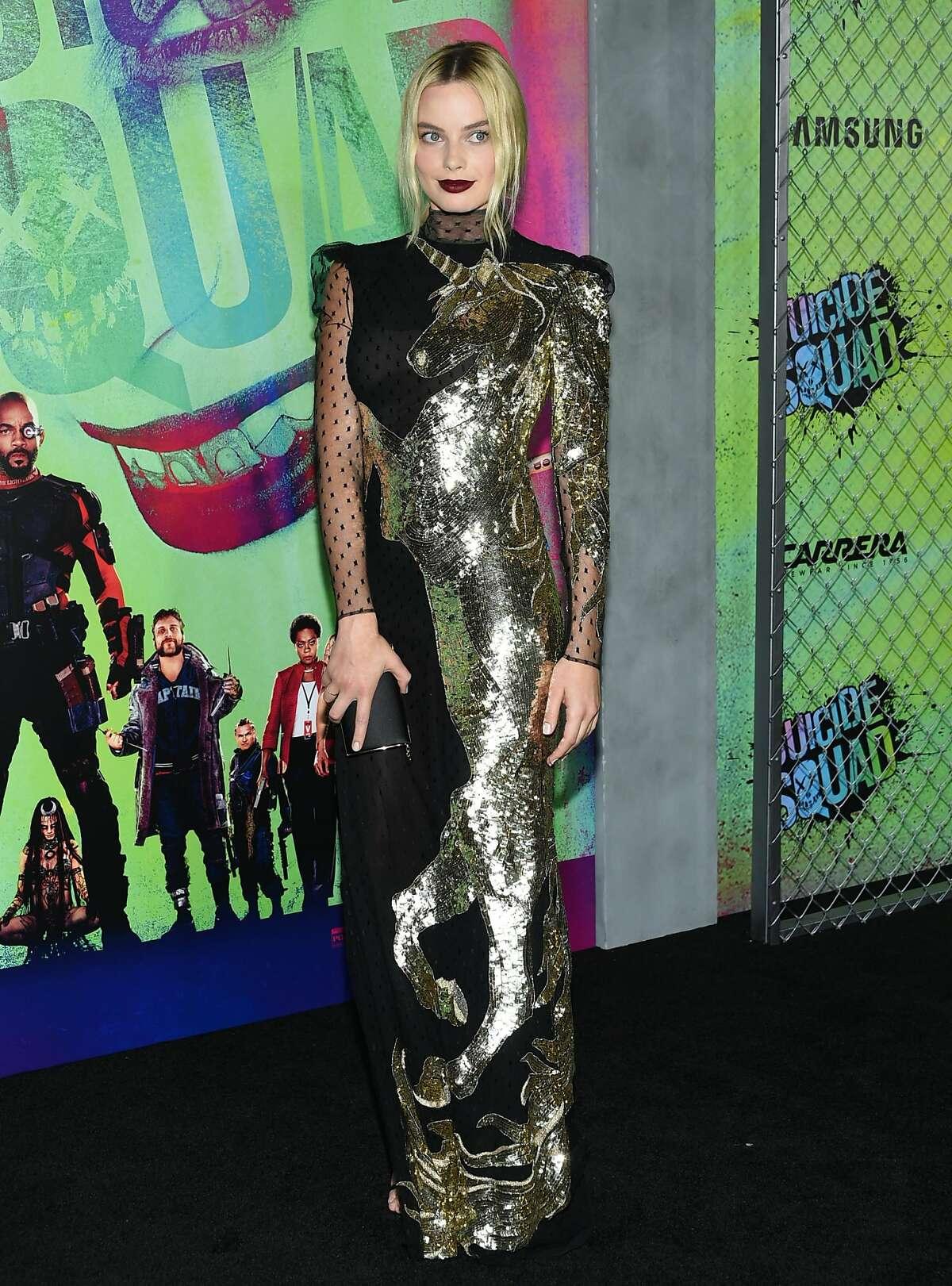 Margot Robbie attends the world premiere of