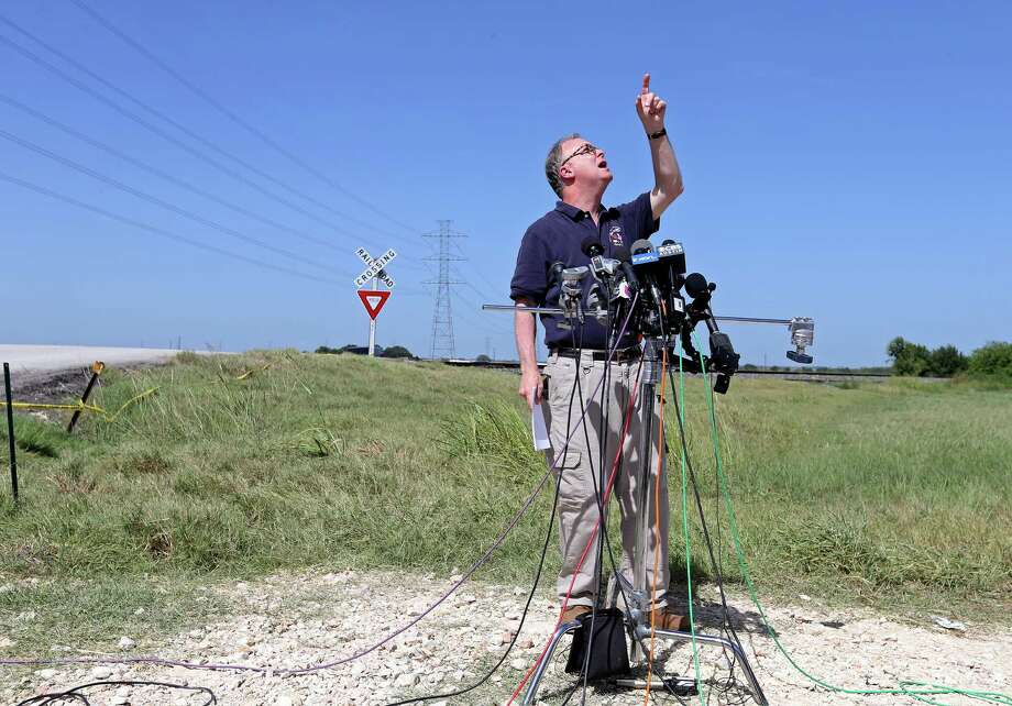 Robert Sumwalt, board member with the National Transportation Safety Board, speaks during a press conference, Monday Aug. 1, 2016, near the site of a hot air balloon crash that killed 16 people on Saturday July 30, 2016 near Maxwell, Texas in Caldwell County. Photo: Edward A. Ornelas, San Antonio Express-News / © 2016 San Antonio Express-News