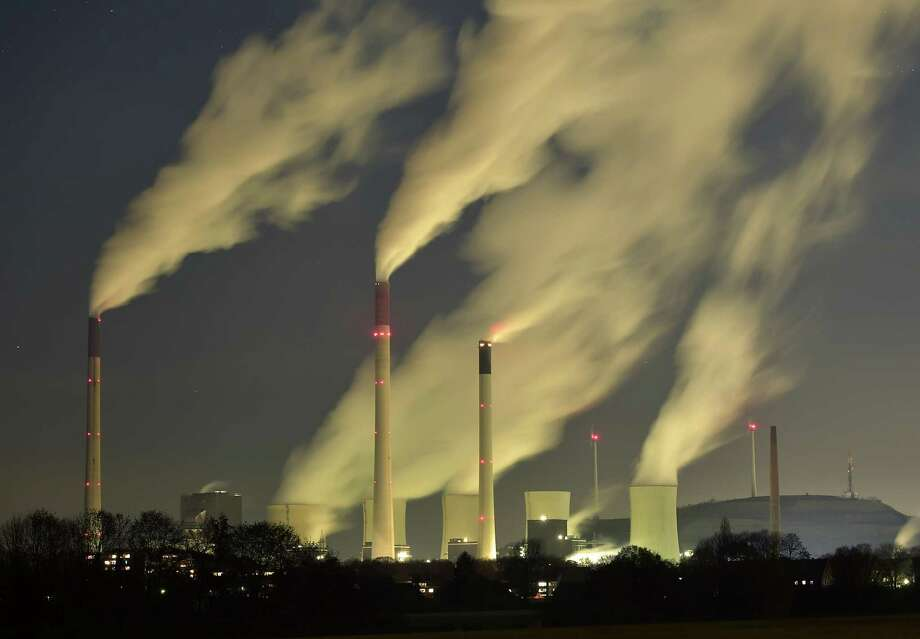 A new technology to generate electricity is supercritical carbon dioxide, called the most promising of carbon capture systems under development. It's a way to cut back on greenhouse gases from conventional power plants that contribute to climate change.  Photo: Martin Meissner, STR / AP