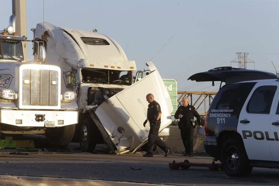 Overturned big rig crash cleared from east loop ramp to la for Houston la porte