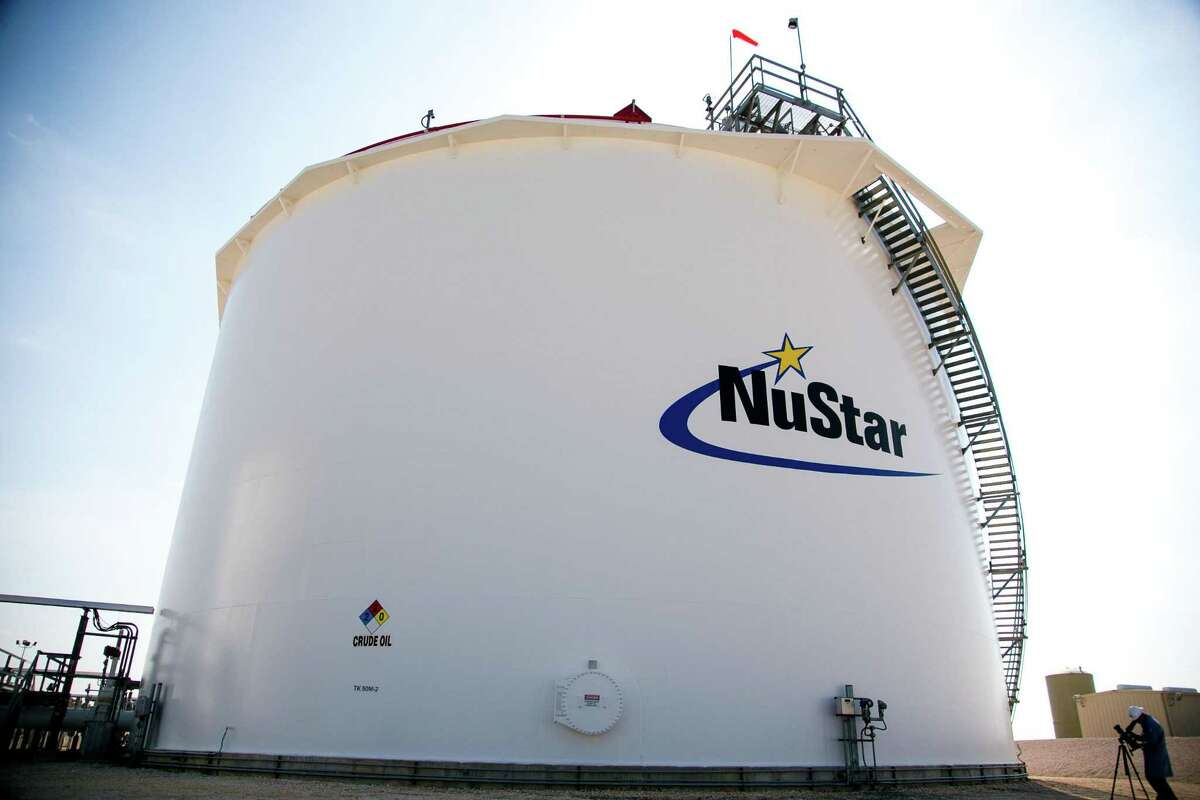 NuStar Energy is a crude oil and refined product pipeline and storage company that operates more than 9,300 miles of pipelines and 96 million barrels of storage capacity worldwide.