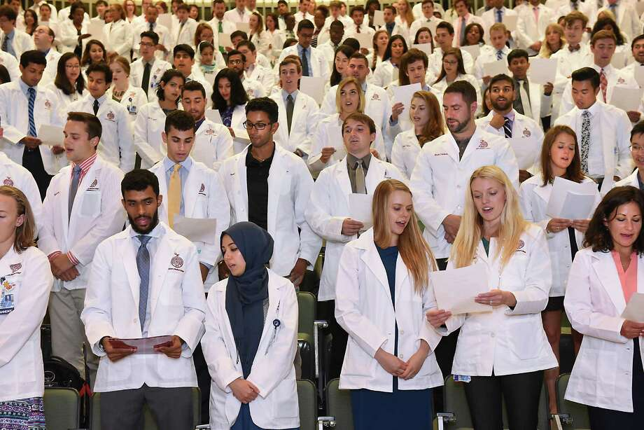 New medical students of the Class of 2020 recite the Hippocratic Oath during the traditional white coat ceremony at Albany Medical College on Tuesday, Aug. 2, 2016 in Albany, N.Y. (Lori Van Buren / Times Union) Photo: Lori Van Buren / 20037506A
