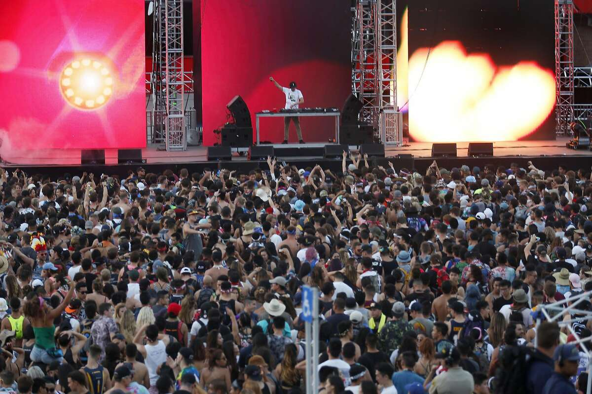 The second day of the Hard Summer rave on Sunday, July 31, 2016 at the Auto Club Speedway in Fontana, Calif. (Francine Orr/Los Angeles Times/TNS)