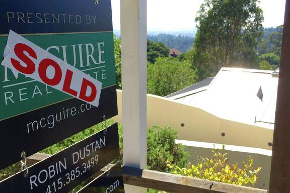 The Oakland home of Gov. Jerry Brown and his wife sold for $2,375,000. The Browns paid $2,425,000 for it.