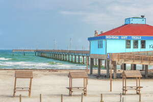 Less than a month left of summer! It's not too late to plan your beach getaway in Port A. Grab your gear!    www.portaransas.org