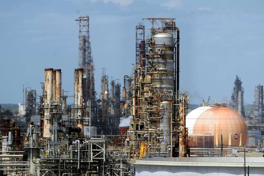 Exxon Mobil's Beaumont refinery. Photo: Jake Daniels, Jake Daniels/The Enterprise