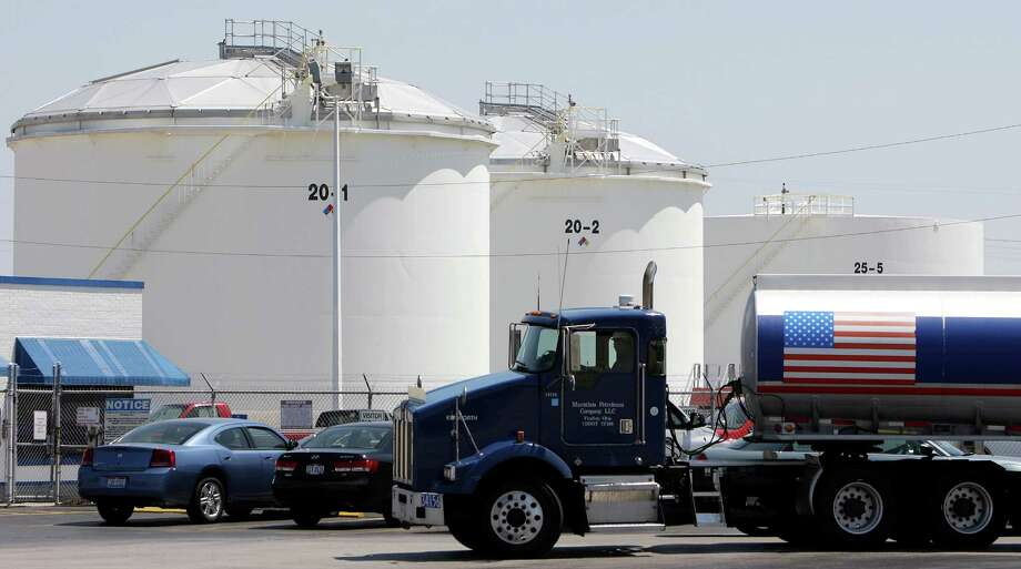 Crude inventories rose 1.06 million barrels, according to an Energy Information Administration report. Analysts had expected a decline. Photo: Bloomberg News /File Photo
