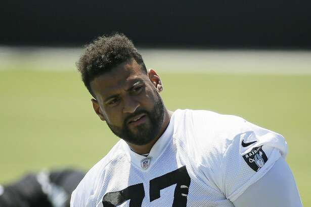 Oakland Raiders offensive tackle Austin Howard during the team's football minicamp Wednesday, June 15, 2016, in Alameda, Calif. (AP Photo/Eric Risberg)