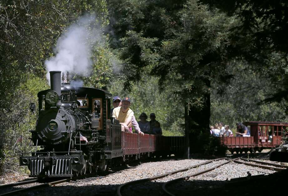 "The No. 7 ""Oak"" steam locomotive leads passengers on a 1.2 mile ride aboard the Redwood Valley Railway through Tilden Park in Orinda. Photo: Paul Chinn, The Chronicle"