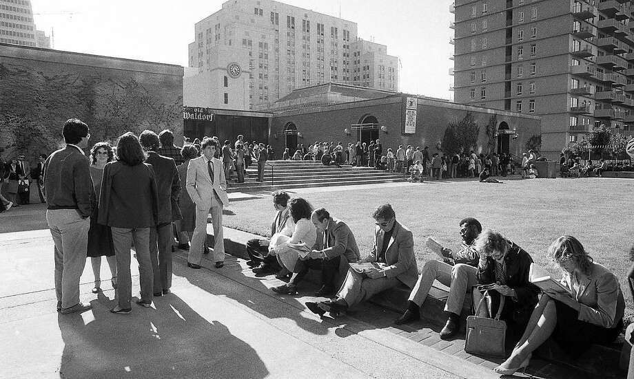 In 1983, San Franciscans waited in line for hours to get into the city's first modern pop-up restaurant: Paul Prudhomme's K-Paul Louisiana Kitchen at the Old Waldorf in San Francisco. Photos taken August 12, 1983 Photo: Susan Gilbert, The Chronicle