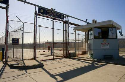 Hunger strikers, jailers reach truce over solitary lockup