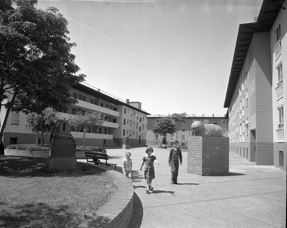 Valencia Gardens, low income housing project in San Francisco, 05/22/1952 Photo: Joe Rosenthal, The Chronicle