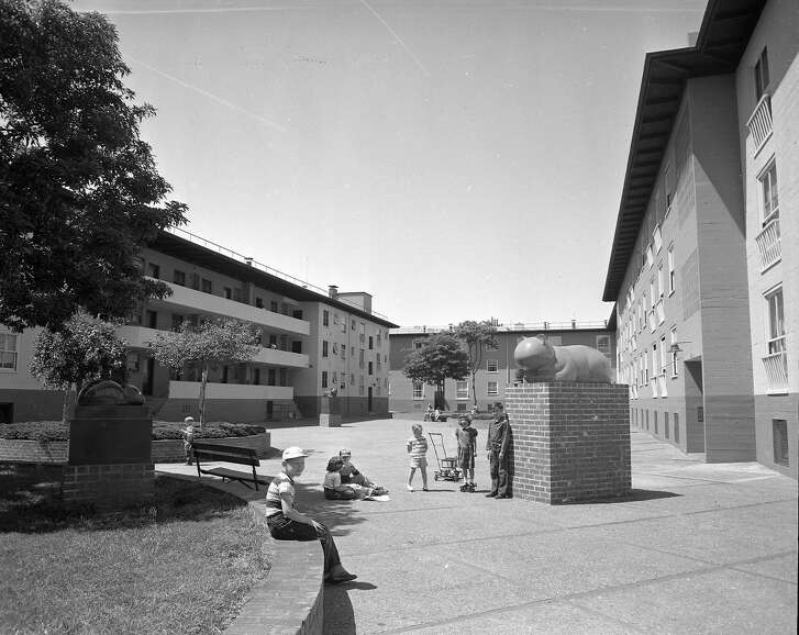 Valencia Gardens, low income housing project in San Francisco, 05/22/1952