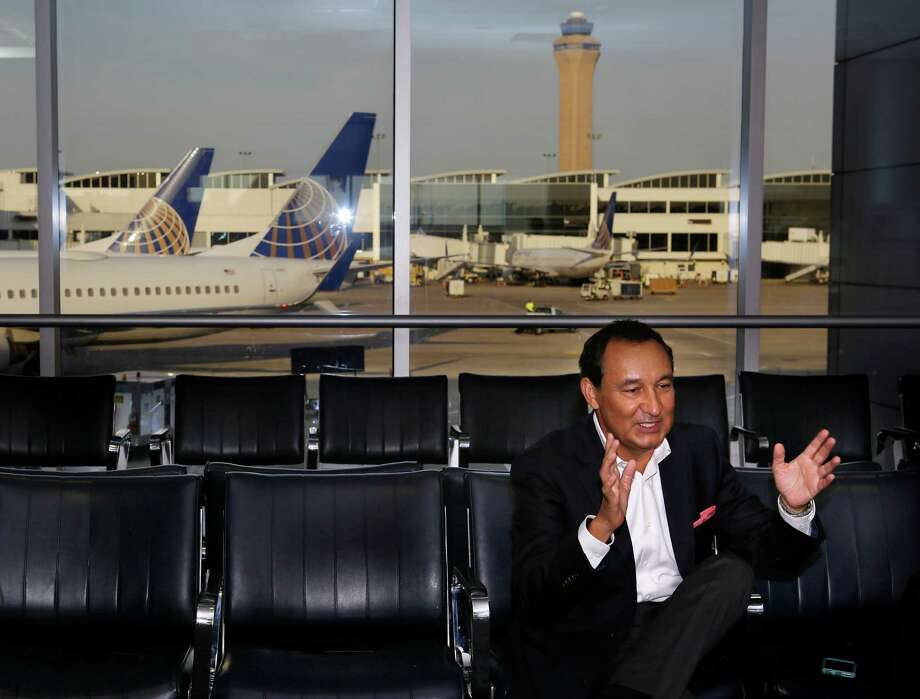 """United's new CEO, Oscar Munoz, shown at George Bush Intercontinental Airport on Aug. 3, said the company is working on solutions for its technology glitches.Despite its problems, United made a list of """"efficient"""" airlines. Keep clicking to see the others. Photo: Mark Mulligan, Staff / © 2016 Houston Chronicle"""