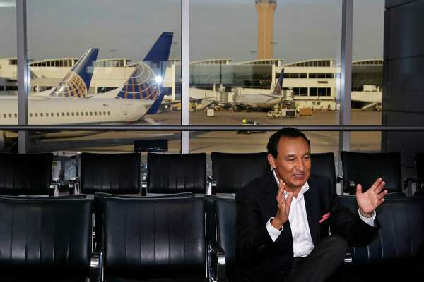 United's new CEO Oscar Munoz visits George Bush Intercontinental Airport to send-off Team USA olympic athletes on their United flight to Rio, Wednesday, Aug. 3, 2016, in Houston. United is a sponsor for Team USA and expects to fly 1300 athletes, coaches and team staff to Rio for the Olympic and Paralympic games. ( Mark Mulligan / Houston Chronicle )