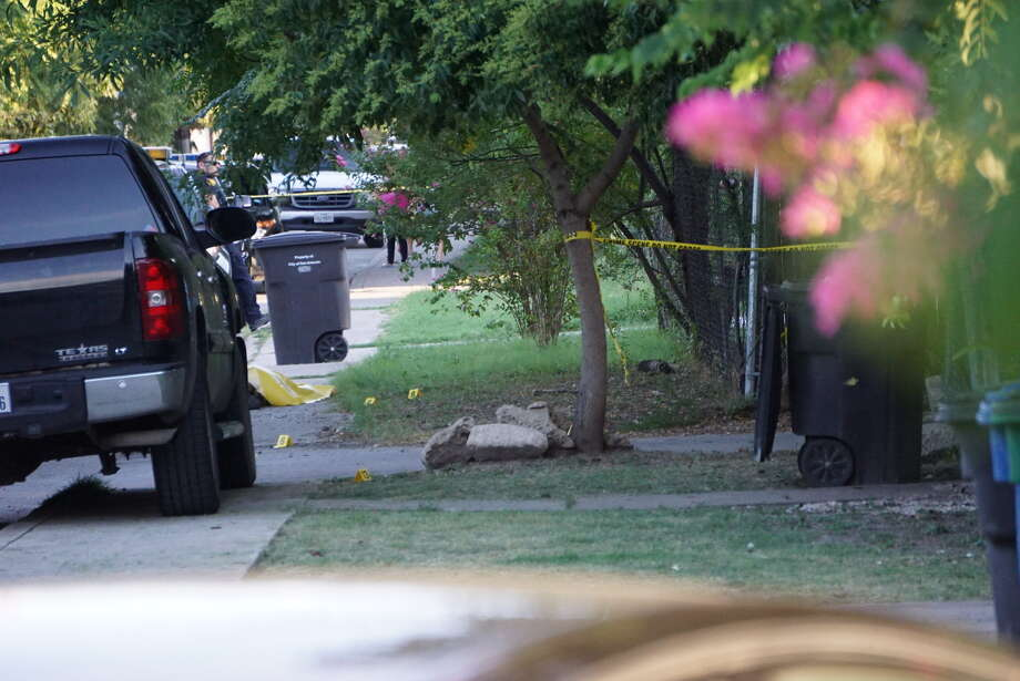 One person was killed in a shootout in the 600 block of South Sabinas Street Thursday Aug. 4, 2016. Photo: Jacob Beltran