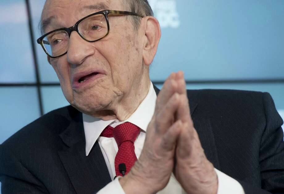 """Former Federal Reserve Chairman Alan Greenspan says of crude oil's price, """"It's hard for me to imagine it going very much lower, but it could.""""  Photo: SAUL LOEB, Stringer / AFP or licensors"""