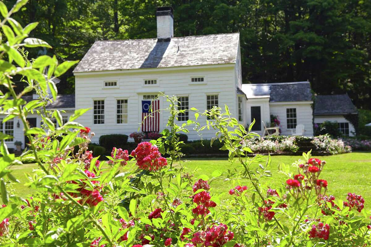 Nora Murphy has captured quintessential Connecticut both inside and out.
