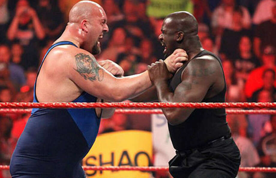Big Show and Shaq will fight at WrestleMania 33 in April, 2017.