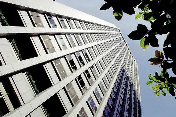 POWER16A-C-14SEP02-MT-PC PG&E headquarters are located at 77 Beale St. in the heart of San Francisco's financial district. PAUL CHINN/S.F. CHRONICLE  Ran on: 10-16-2004 Pacific Gas and Electric Co., headquartered on Beale Street in San Francisco, wants to raise residential electricity rates.