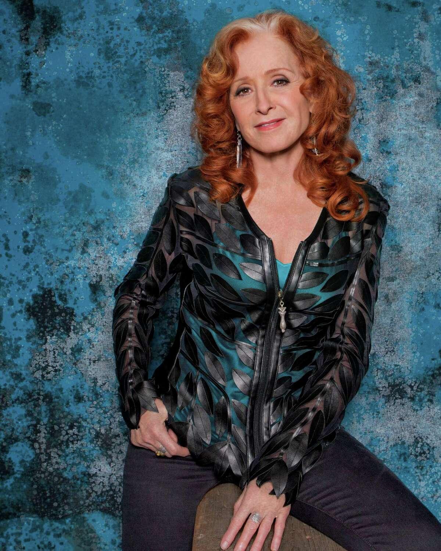 Bonnie Raitt performs at the Toyota Oakdale Theatre on Friday, Aug. 12.