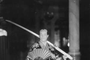 Ivan Menzies, of the Touring Company, as Koko from the Gilbert and Sullivan opera 'Mikado' in 1924.