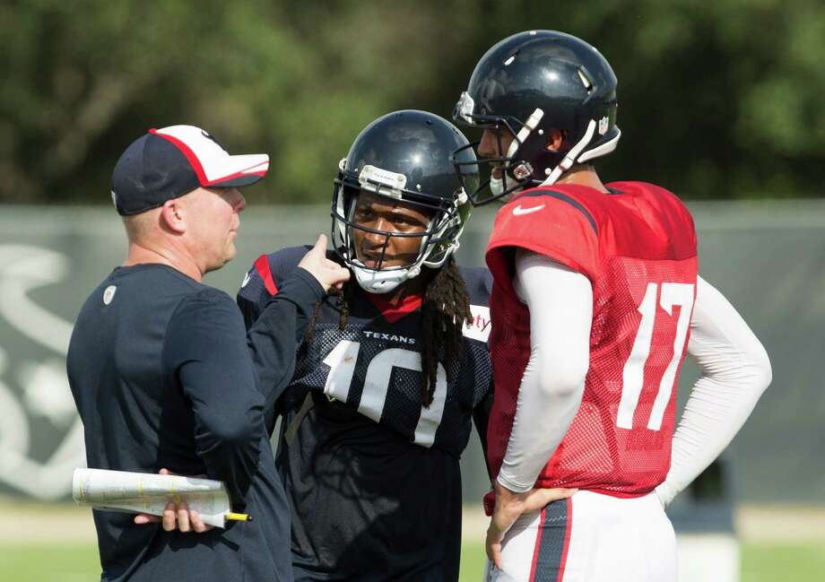 Brock Osweiler capitalized on the experienced presence of DeAndre Hopkins in the joint practice with the 49ers. Photo: Brett Coomer, Houston Chronicle / © 2016 Houston Chronicle
